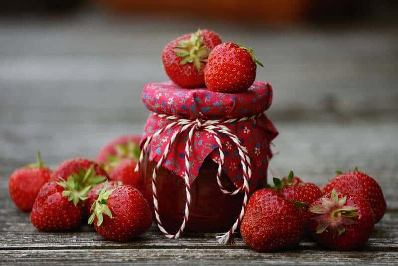 confiture à la fraise et mélisse